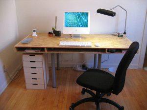 800px-desk